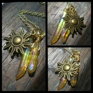 🌞Antiqued Gold Sun Crystal Charm Necklace🌞